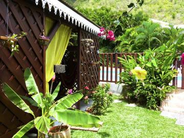 L'accès de votre appartement par le jardin.