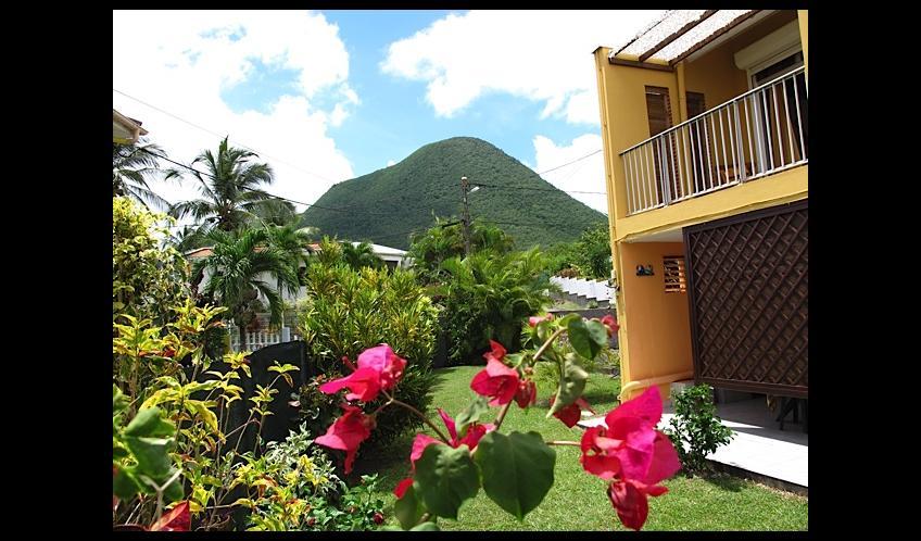 Le Morne Larcher vu de la Résidence L'Oasis de L'Anse bleue.