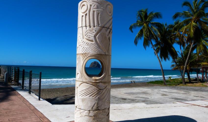 Vous trouverez beaucoup de réalisations d'artistes sur le front de mer au centre de la ville