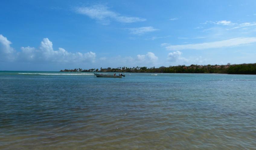 La plage d'O Mullane, une mer calme et tranquille.